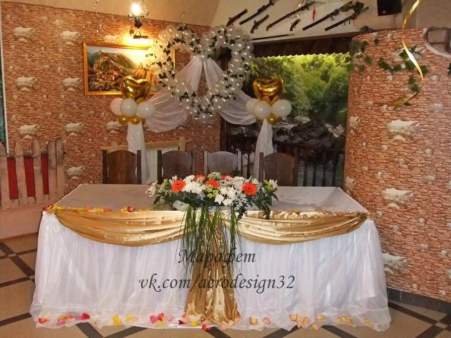 Лебеди на свадьбу из шаров